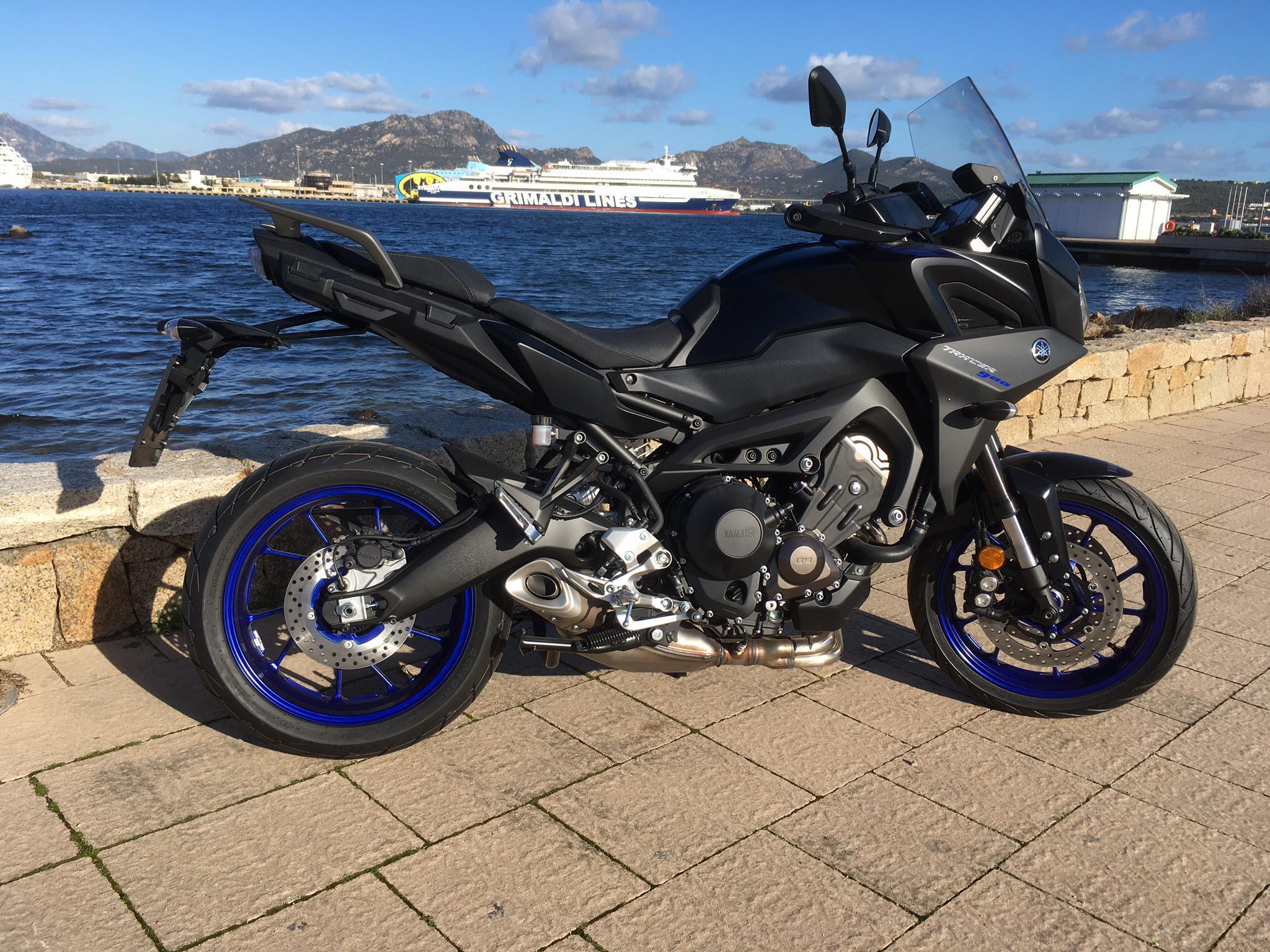 Yamaha Tracer 900 - schwarz